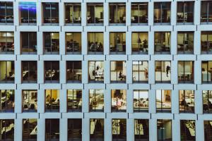 Bezpieczeństwo w biurach po pandemii - czy zależy również od architektów?