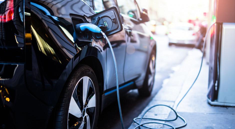 Kolejne punkty ładowania elektryków na warszawskich parkingach P+R