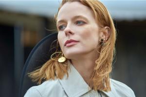 Monika Hartman zaprojektowała ręcznie robioną biżuterię z kawałkami jedwabiu