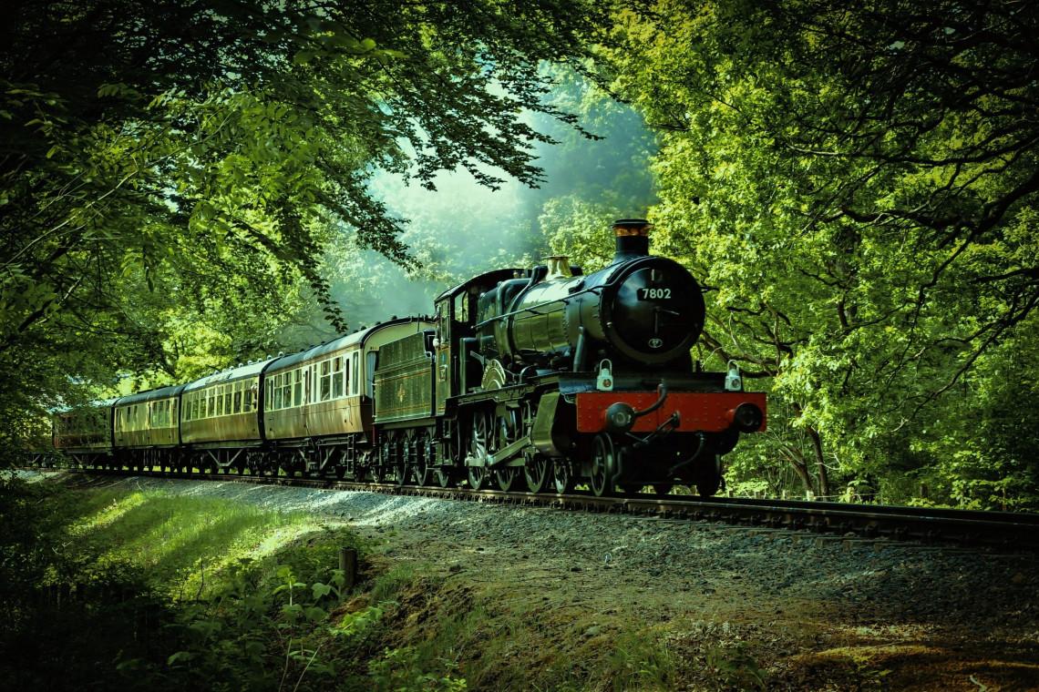 Pociągi retro pojadą jesienią najpiękniejszymi trasami Małopolski