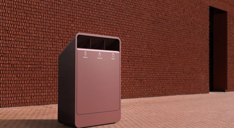 Ma sensor smogu, czujnik wypełnienia, a nawet wyświetli reklamę. Ten kosz na śmieci to propozycja polskiej marki