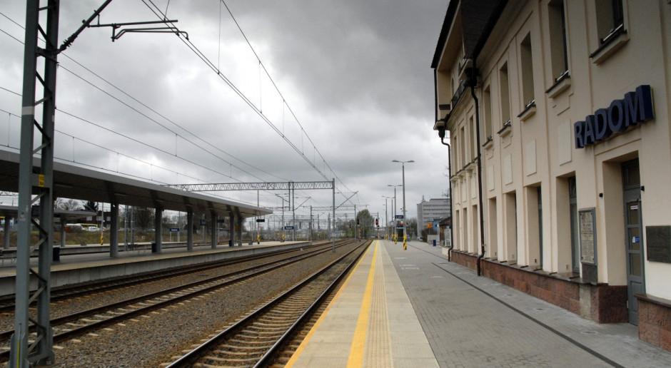 Umowa na projekt przystanku kolejowego, z którego dojedzie się na lotnisko