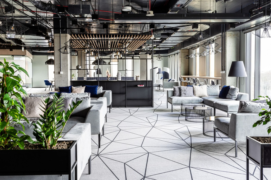 Oto siedziba Universal-Investment w Krakowie. To nieszablonowy i architektonicznie wysublimowany projekt