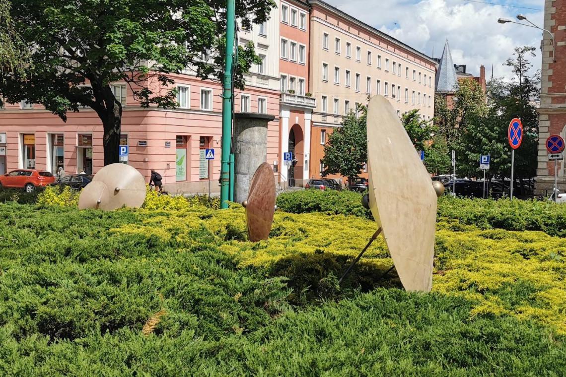 Na poznańskim placu Cyryla pojawiły się nowe rzeźby