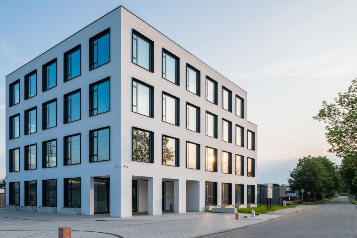 Piękno i elegancja płynące z minimalizmu. Oto Centrum Badań i Rozwoju w Krakowie