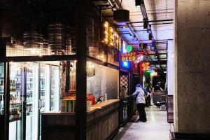 To architekci z vsf-creative zaprojektowali Food Hall w Elektrowni Powiśle. Czym zaskoczy wnętrze?