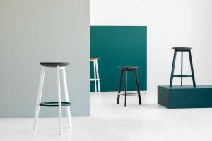 Piotr Kuchciński zaprojektował stołki barowe. Nowa kolekcja polskiej marki