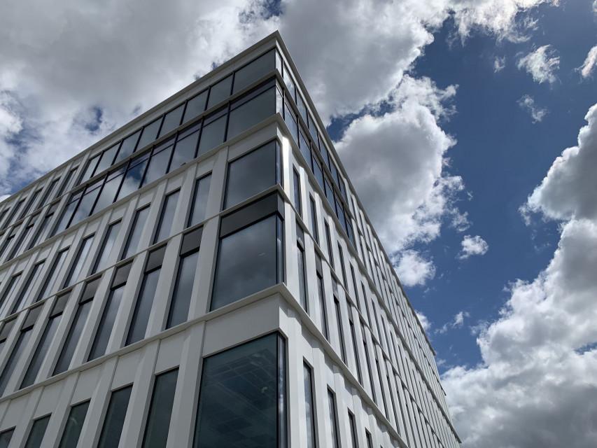Polski kampus Uniwersytetu Coventry gotowy lada miesiąc. Bryła projektu APA Wojciechowski