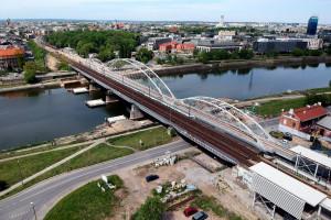 Pociągi pojadą nowym mostem nad Wisłą w Krakowie