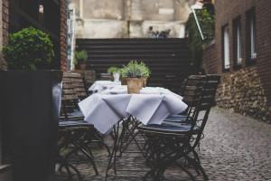 Mniej samochodów, a wiecej ogródków gastronomicznych na gliwickiej starówce