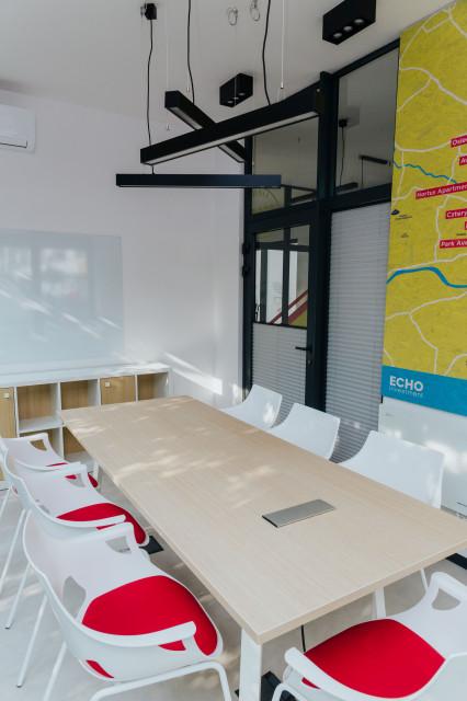 Zaprojektowali biuro sprzedaży w kontenerze