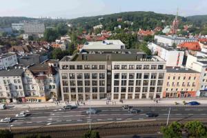 Nad II etapem gdańskiej Officyny zawisła wiecha