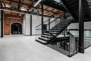 Szwajcarska precyzja ze szczyptą historii. Zobacz biuro koncernu Clariant w Łodzi