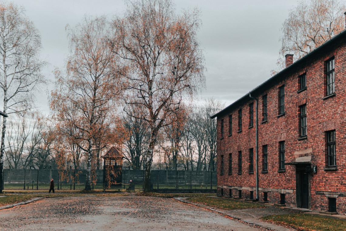 Tylko jedna firma chce się podjąć naprawy wieżyczki w Muzeum Auschwitz