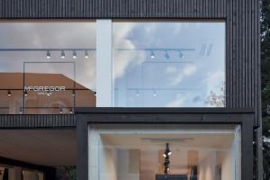 Luksusowy showroom z modułów. Design na miarę XXI wieku