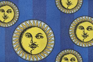 Kultowe prace Piero Fornasettiego na mozaikach włoskiej marki