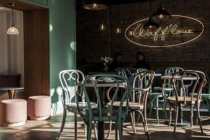 Sama słodycz! Urokliwy projekt cukiernio-lodziarni na warszawskim rynku