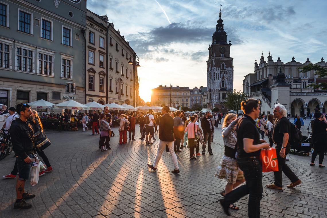 W Krakowie wznowiono dezynfekcję najczęściej uczęszczanych miejsc
