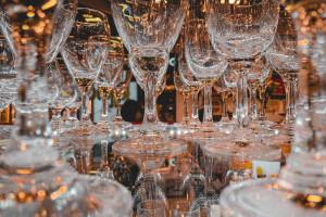 Na ratunek największej w Polsce kolekcji szkła użytkowego z polskich hut
