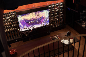 Gigantyczny i pierwszy na świecie komercyjny telewizor o budowie modułowej