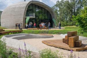 """Nadwiślański Pawilon Edukacyjny """"Kamień"""" otwarty. To projekt eM4 Brataniec"""