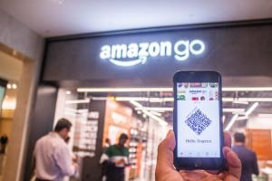 Rewolucja w handlu? Amazon wprowadza inteligentne wózki zakupowe