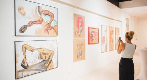 """Sztuka w zasięgu ręki. Wystawa """"Yes Art"""" w Domotece"""