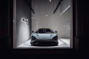 Kipiący mocą McLaren otwiera pop-up store w Warszawie