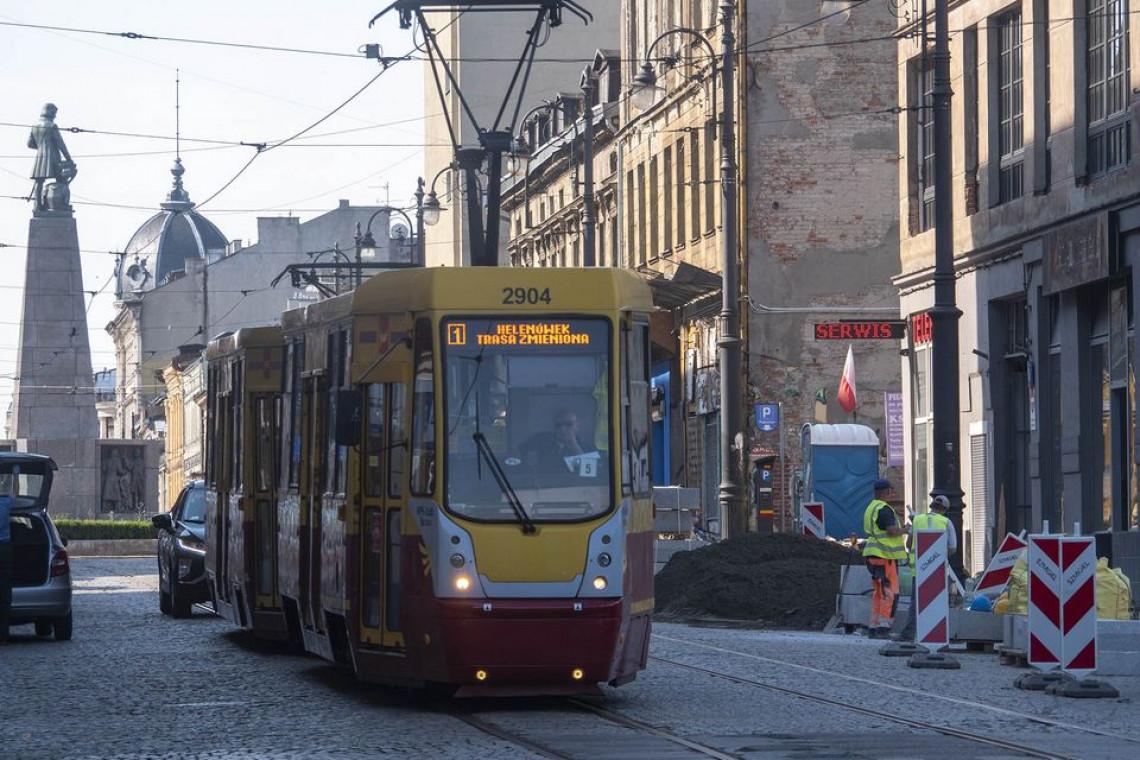 Nowe chodniki, peron i meble miejskie. Wystartowały prace remontowe w centrum Łodzi