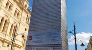 Łódzki obelisk powiększy się o kolejny centymetr