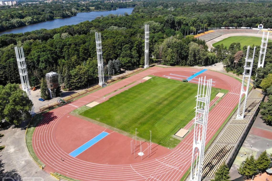 Główny stadion lekkoatletyczny na poznańskim Golęcinie odnowiony
