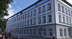 Neoklasycystyczna kamienica w centrum Bielska-Białej odzyskuje blask. To efekt pracy Archas Design