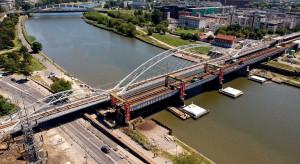 Kolejny etap budowy mostu kolejowego na Wiśle w Krakowie