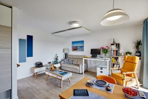 """Dzięki inicjatywie architektów powstało wzorcowe mieszkanie dla seniora. """"To miejsce jest trochę jak laboratorium"""""""