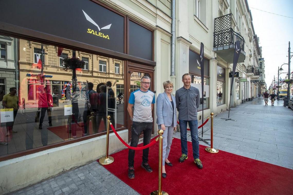 To największy sklep turystyczny marki Salewa. Mieści się na słynnej Piotrkowskiej