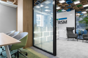 Idealnie dopasowane, kreatywne i inspirujące. Nowe biuro RSM Poland tętni życiem!