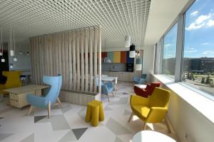 Assa Abloy z nowymi przestrzeniami biurowymi w Eximius Park. Za aranżacją stoi Grupa 68