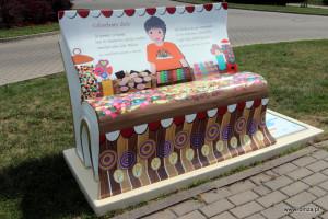 Zaczytane ławeczki będą już na stałe w przestrzeni miejskiej Łomży