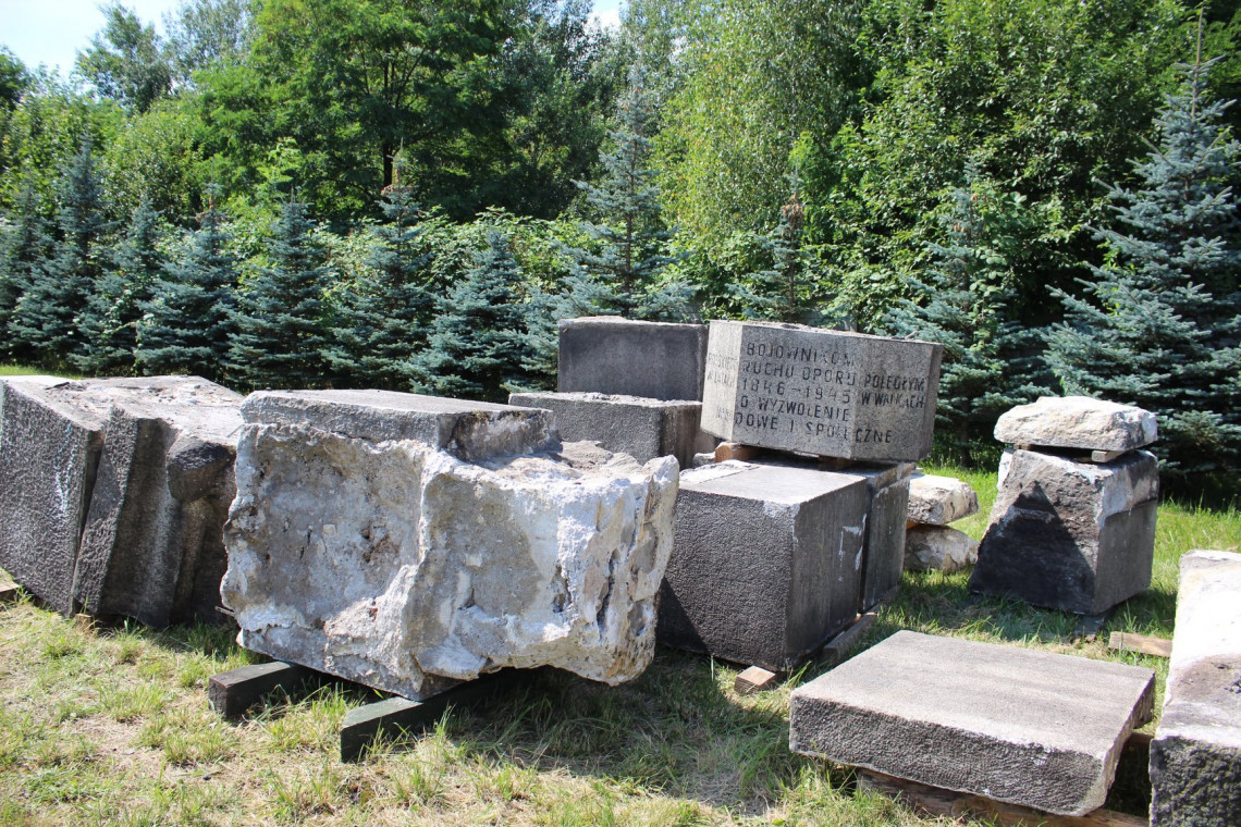 Do Muzeum PRL-u trafił rozebrany pomnik z Jaworzna