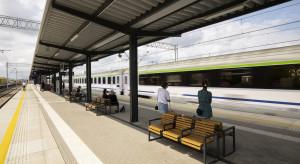 Nowoczesne perony, jasne oświetlenie: liczne zmiany na stacjach trasy Poznań-Warszawa