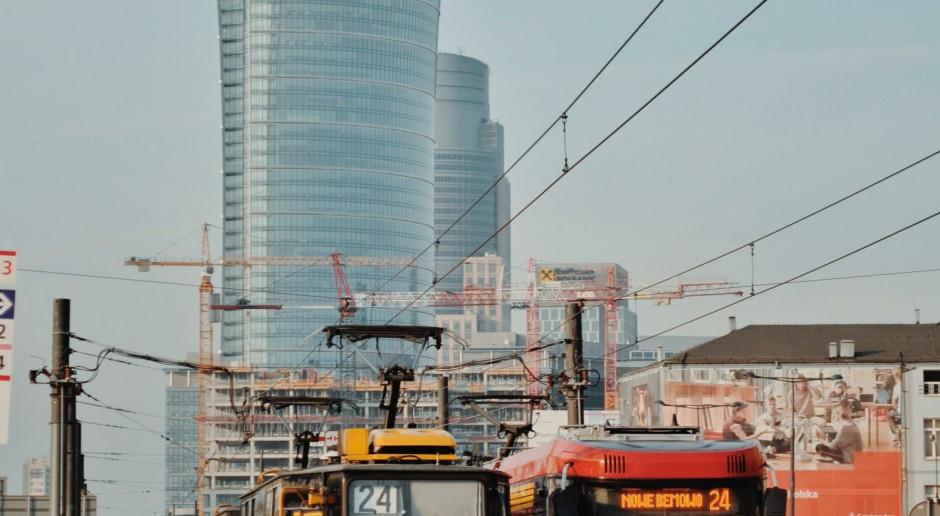 Ratusz podpisał umowę na wymianę około 40 tysięcy opraw oświetleniowych w Warszawie