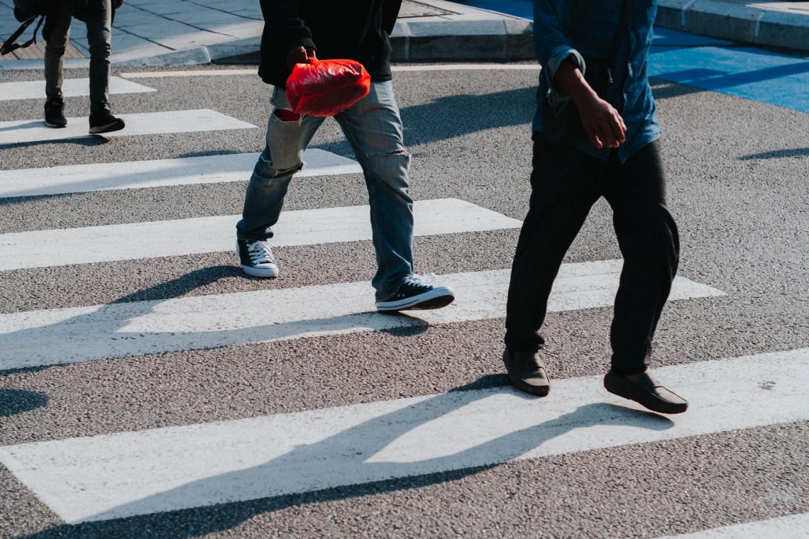 Blisko 800 tys. zł na modernizację i doposażenie przejść dla pieszych w Mazowieckiem
