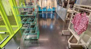 Industrialnie i minimalistycznie. Zaglądamy do jednego z pierwszych salonów Weekday w Polsce