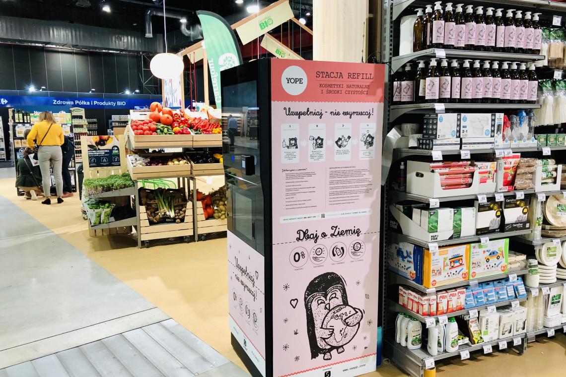 Popularna sieć sklepów uruchamia pierwszą stację refillingu kosmetyków