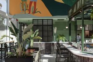 Nowe, zaskakujące wnętrze restauracji we Wrocławiu. Jest pełne świateł, kolorów i kształtów