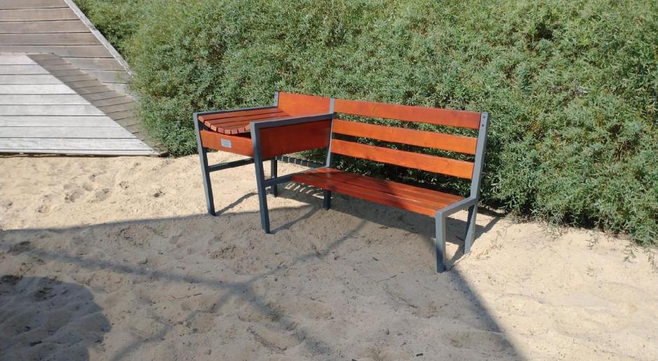 Specjalne ławki dla rodziców małych dzieci stanęły w poznańskich parkach