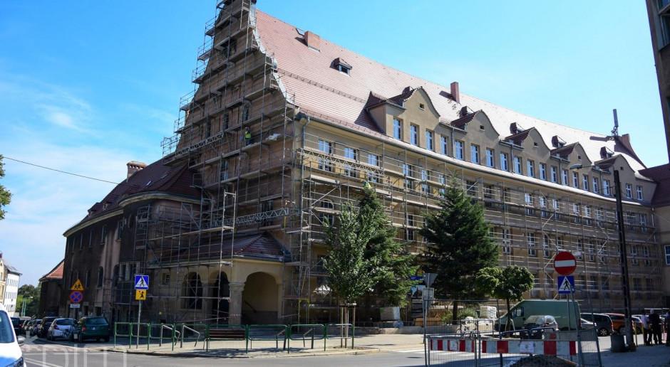 Trwa remont zabytkowego gmachu szkoły w Poznaniu