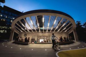 Za ponad 1 mln euro deweloper stworzył przestrzeń publiczną na warszawskim Mokotowie. Kurtyna nad amfiteatrem poszła w górę