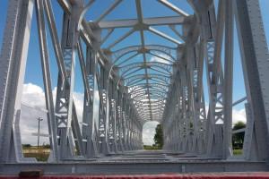Blisko stuletnie mosty przypomną o historii kolei na Podkarpaciu. Trafiły do skansenu