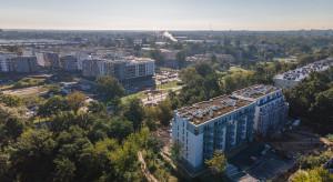 Zielona enklawa na warszawskiej Białołęce już na wykończeniu
